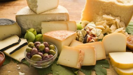 Сыр с добавками